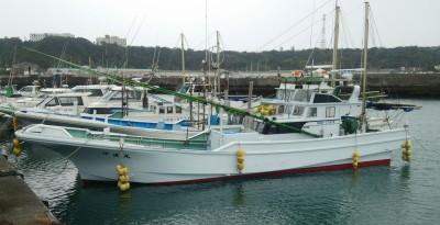 伊達丸の船と店の写真
