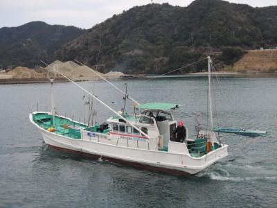 正福丸の船と店の写真
