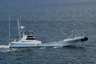 尾鷲 武丸の船と店の写真