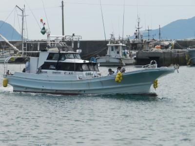 第五大安丸の船と店の写真