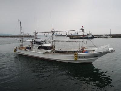 金生丸の船と店の写真