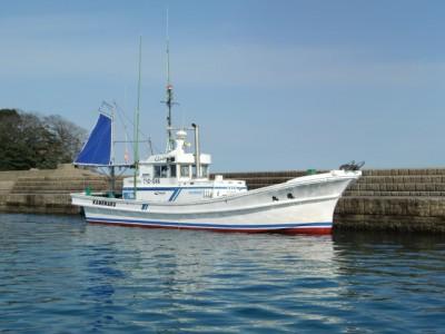 かめや釣具店/亀丸・第五亀丸の船と店の写真