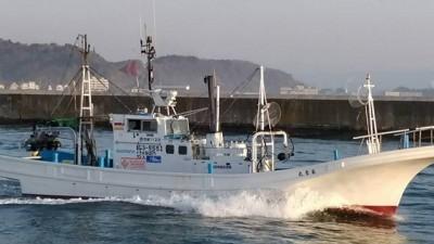 長孝丸の船と店の写真