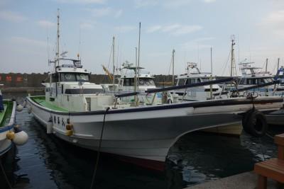 平安丸の船と店の写真