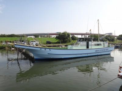 松陽丸の船と店の写真