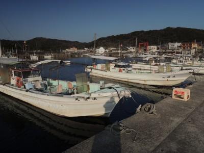 淡隆丸の船と店の写真