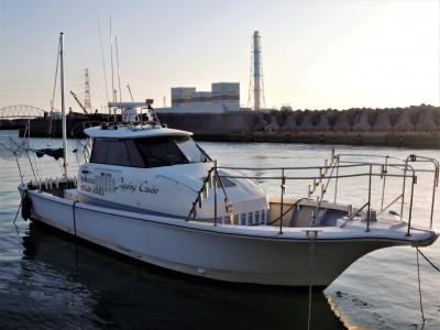 オーシャンキッズの船と店の写真
