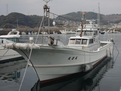 大吉丸の船と店の写真