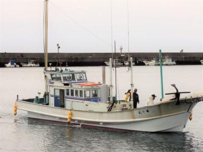 田中丸の船と店の写真