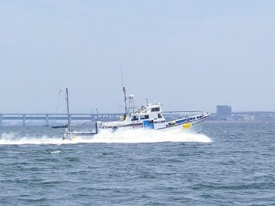 八千代丸の船と店の写真