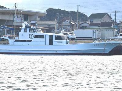 勝晃丸の船と店の写真