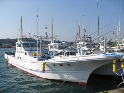 光福丸の船と店の写真